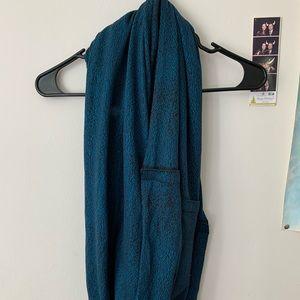 Lululemon circle scarf/wrap